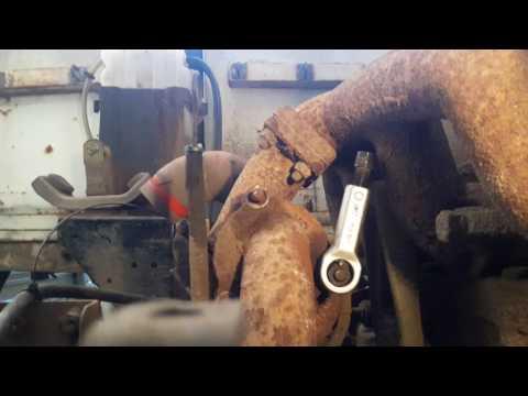 Как открутить прикипевшие гайки на выхлопном коллекторе