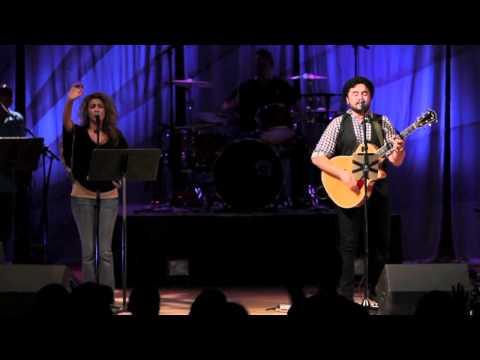 Romulo Costa / Tori Kelly - How He Loves