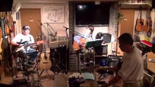 13年10月13日(日)人のライブのオープニングアクトで演奏♪ とんぼちゃん ...