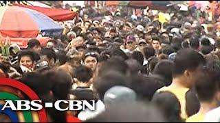 TV Patrol: Bilang ng mga tao sa Manila North Cemetery, umabot sa halos 2M