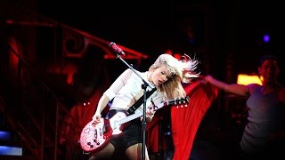 Download lagu Taylor Swift - RED (DVD The RED Tour Live)