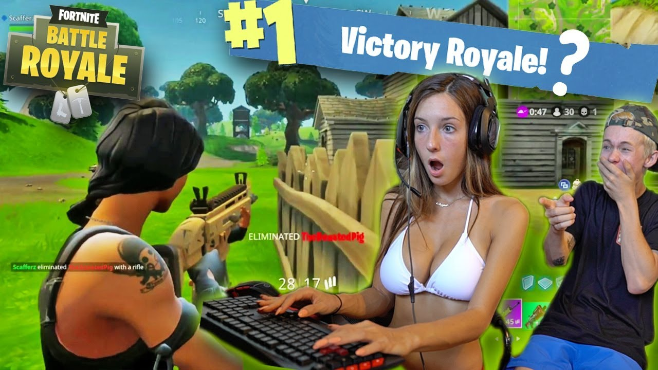 naked girls playing fortnite