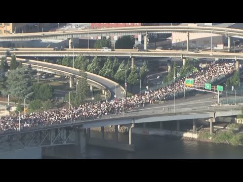 Time lapse: Thousands march across Morrison Bridge on Day 6 of Portland protest