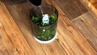 Зеленый кускус с паровой рыбой и соусом тартар