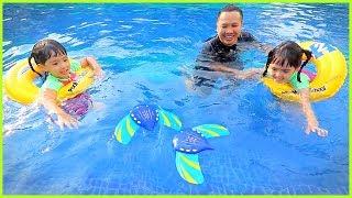 หนูยิ้มหนูแย้ม   รีวิวของเล่น EP33   ปลากระเบนว่ายน้ำ