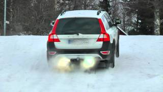 XC70 small but steep hill test in snow.mp4