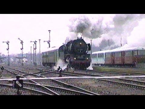 Reichsbahn-Flair am Lokschuppen Salzwedel mit Dampflok 50 3606-6 u. Ausfahrt Salzwedel / April 1994