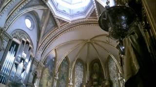 Собор монастыря Монсеррат(Видео из собора монастыря Монсеррат. 50 км от Барселоны, Испания. Съемка с рук, Nokia N8., 2011-04-11T14:10:17.000Z)