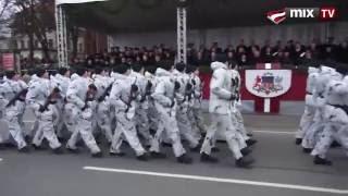 MIX TV: Парад вооруженных сил Латвии 18 ноября 2012 года(http://www.mixnews.lv Парад вооруженных сил Латвии 18 ноября 2012 года Twitter: https://twitter.com/mixnews_lv Facebook: ..., 2012-11-18T14:41:09.000Z)