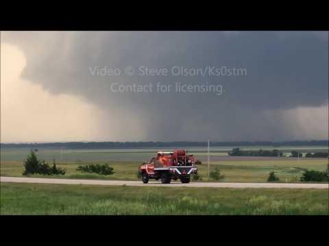 Tornado North of Solomon, Kansas 2016-05-25