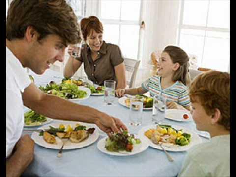 6 les repas 2 un d ner en famille youtube for Idee repas convivial en famille