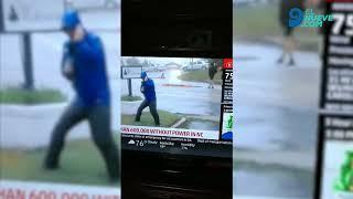 El terrible papelón de un periodista que cubría el huracán Florence