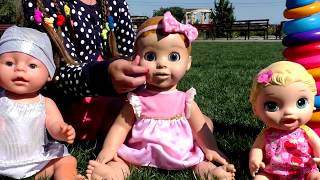 Kids Play with Baby Dolls / Girl Toys