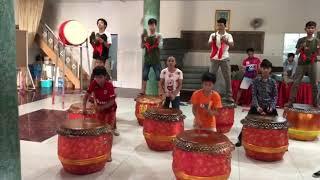 Download 柬埔寨潮州会馆二十四节令鼓队