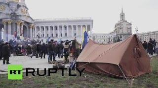 На Майдане в Киеве продолжают устанавливать палатки(, 2016-02-21T15:59:28.000Z)