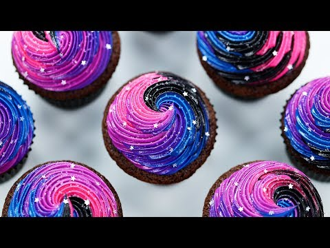 HOW TO MAKE GALAXY CUPCAKES - NERDY NUMMIES