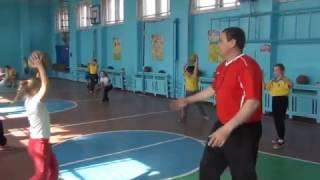 Урок физической культуры с элементами футбола 2 класс. Поляков  2017