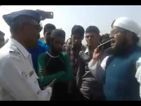 Mufti Haroon Nadvi Heckling The Police