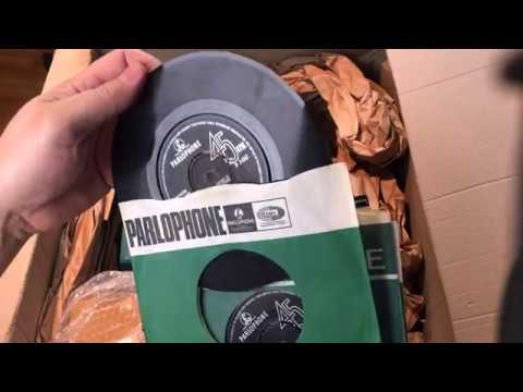 Unboxing A Full Set Of Original 1960's UK Beatles Vinyl 45s + Mp3
