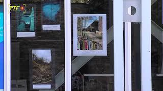 Fotoausstellung an den Scheiben der Stadtbibliothek Reutlingen