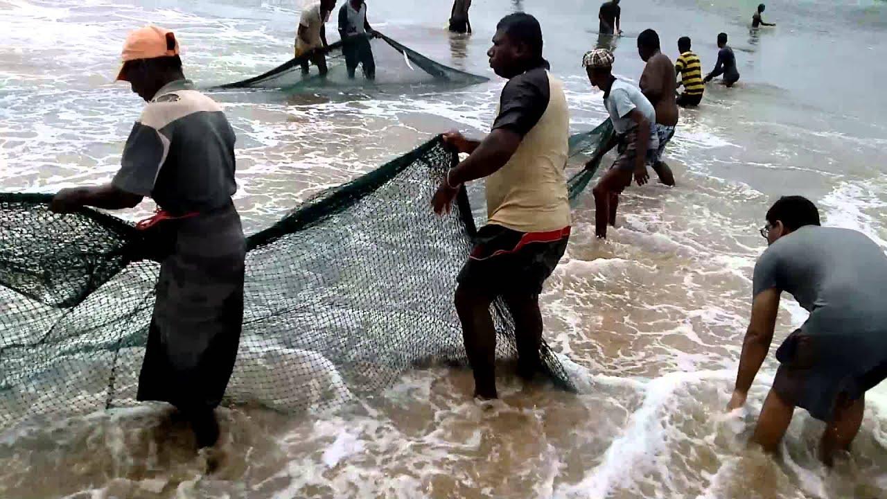 Pesca con rete lunga da traino con 50 persone youtube for Rete da pesca arredamento