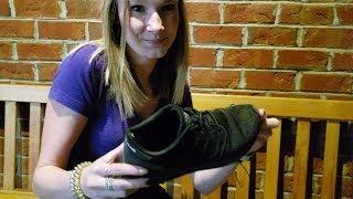 Size 7.5 adidas waitress shoe