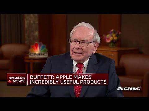 Warren Buffett on his new iPhone: 'My flip phone is permanently gone'