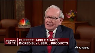 Warren Buffett on his new iPhone: 'My flip phone is permanently gone'