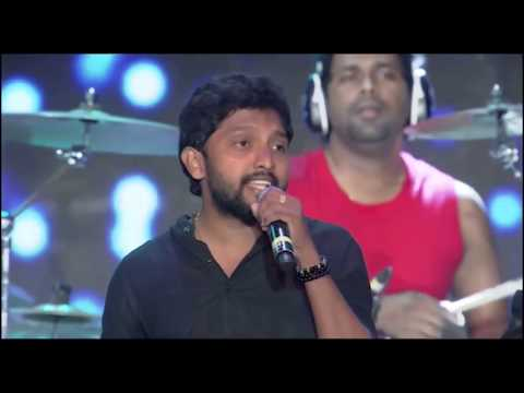 Thaikkudam bridge performs - Ilayaraja 1000