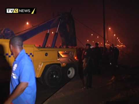 Luxury bus plunges into River in Lagos