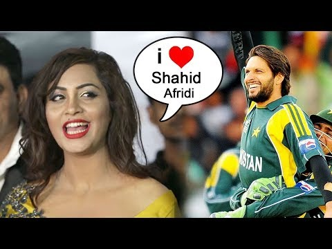 Arshi Khan Finally Accepts Having Relationship With Shahid Afridi In Pakistan Before Bigg Boss 11