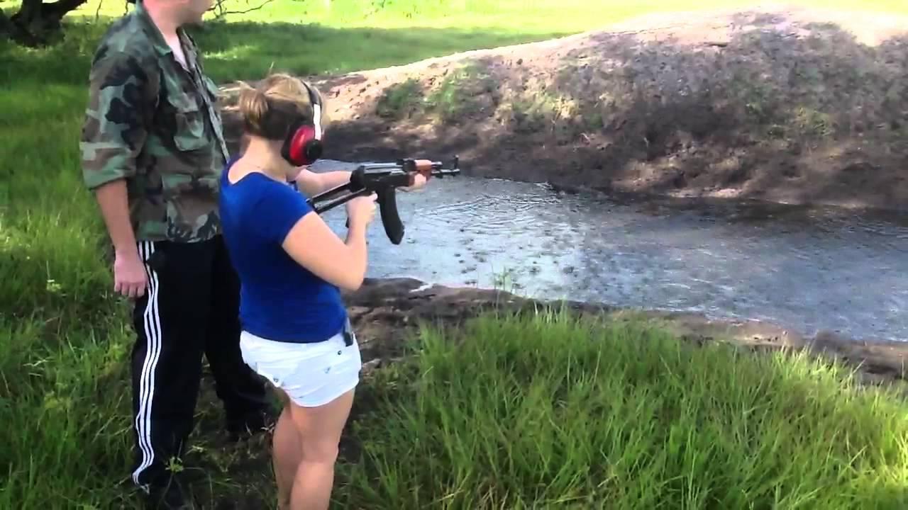 Pakistani Girl Firing AK47 Full Video - YouTube