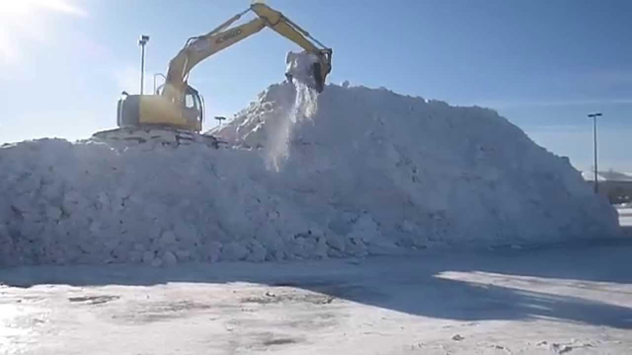 Kobelco Sk235sr Excavator To Pile Snow In Sault Ste Marie