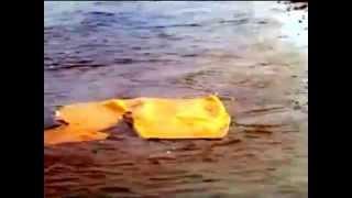 LO SQUALO (1975) - Il Materassino vuoto -