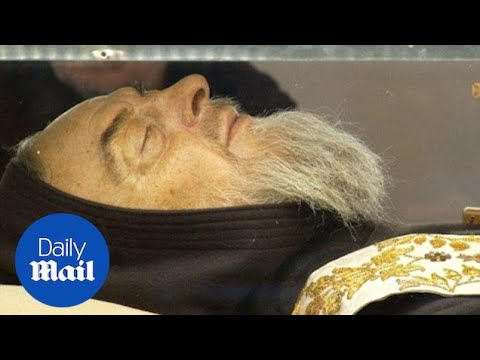 Mystic saint Padre Pio gets moved to the Vatican - Daily Mail