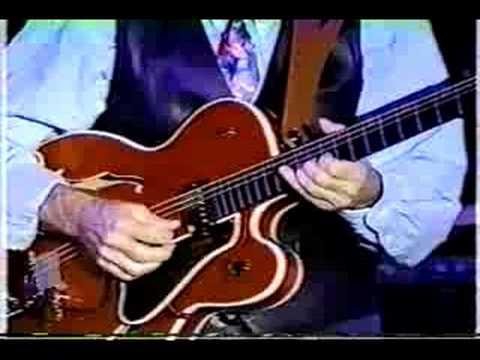 "Chet Atkins & Stanley Jordan ""Stardust"""