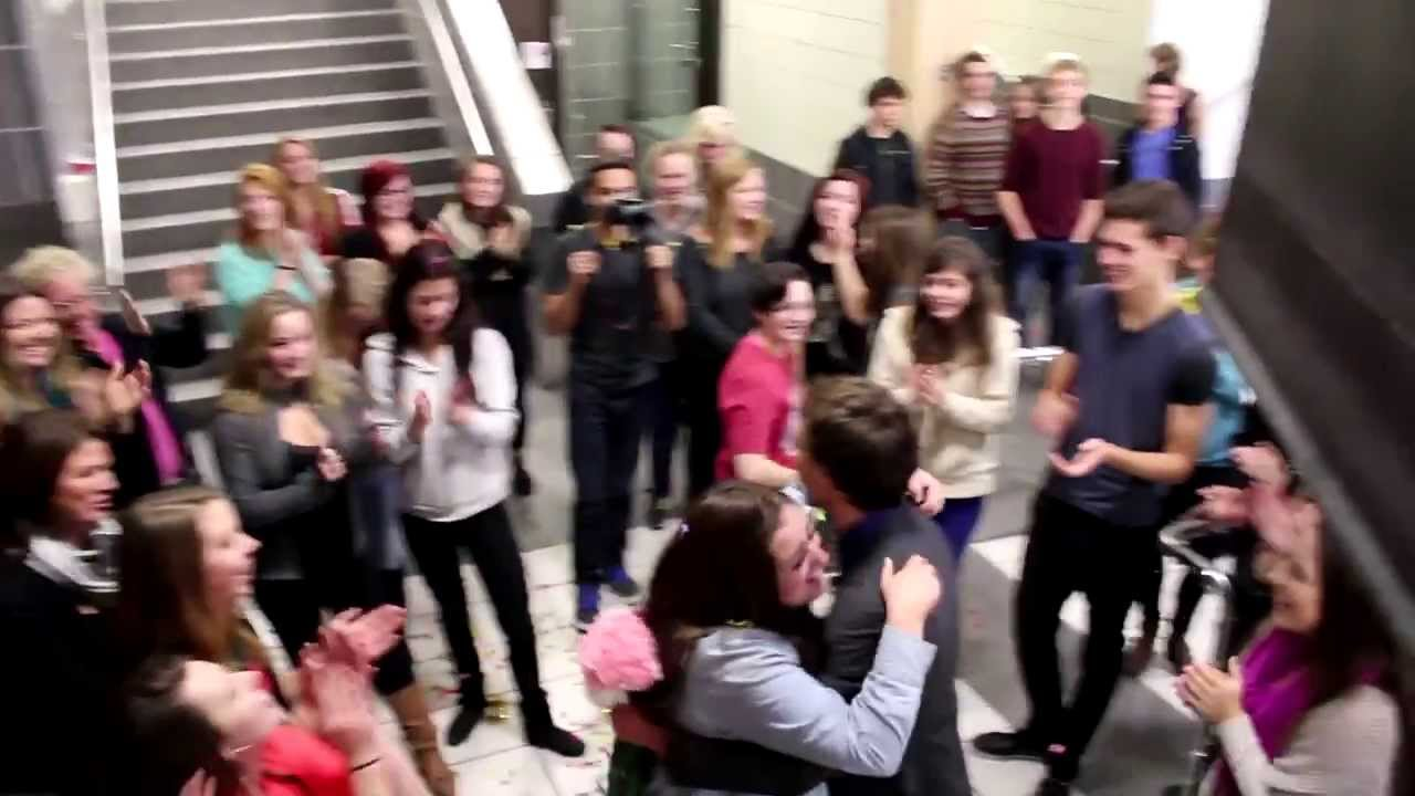 how to find out about a flash mob