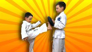 Дети тренируются сами, без взрослых.  Taekwondo тренировка дома