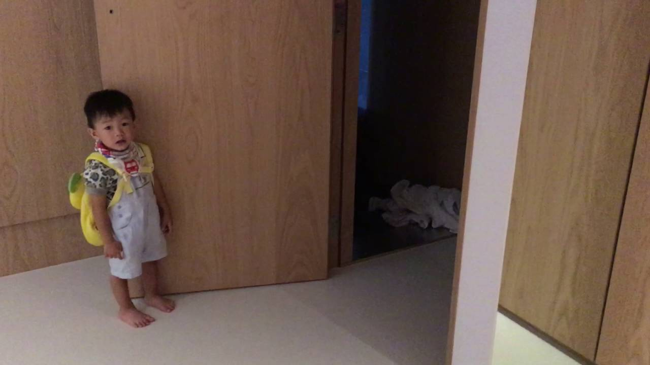 笠源自動關門器 │ 小朋友示範如何輕鬆開起沉重木門 Youtube