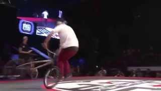 Спорт на BMX и на велосипедах.Смотрим турниры подборку видео где парни делают трюки на велосипедах.(Спорт на BMX на велосипедах тут 0:13 0:47 0:59 прыжки спуски фото гонки на велосипедах 1:27 1:34 1:53 подборку видео на..., 2014-10-03T16:10:50.000Z)