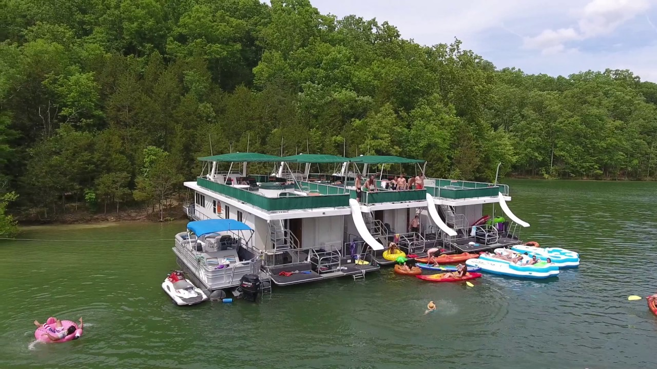 Party on Dale Hollow Lake!