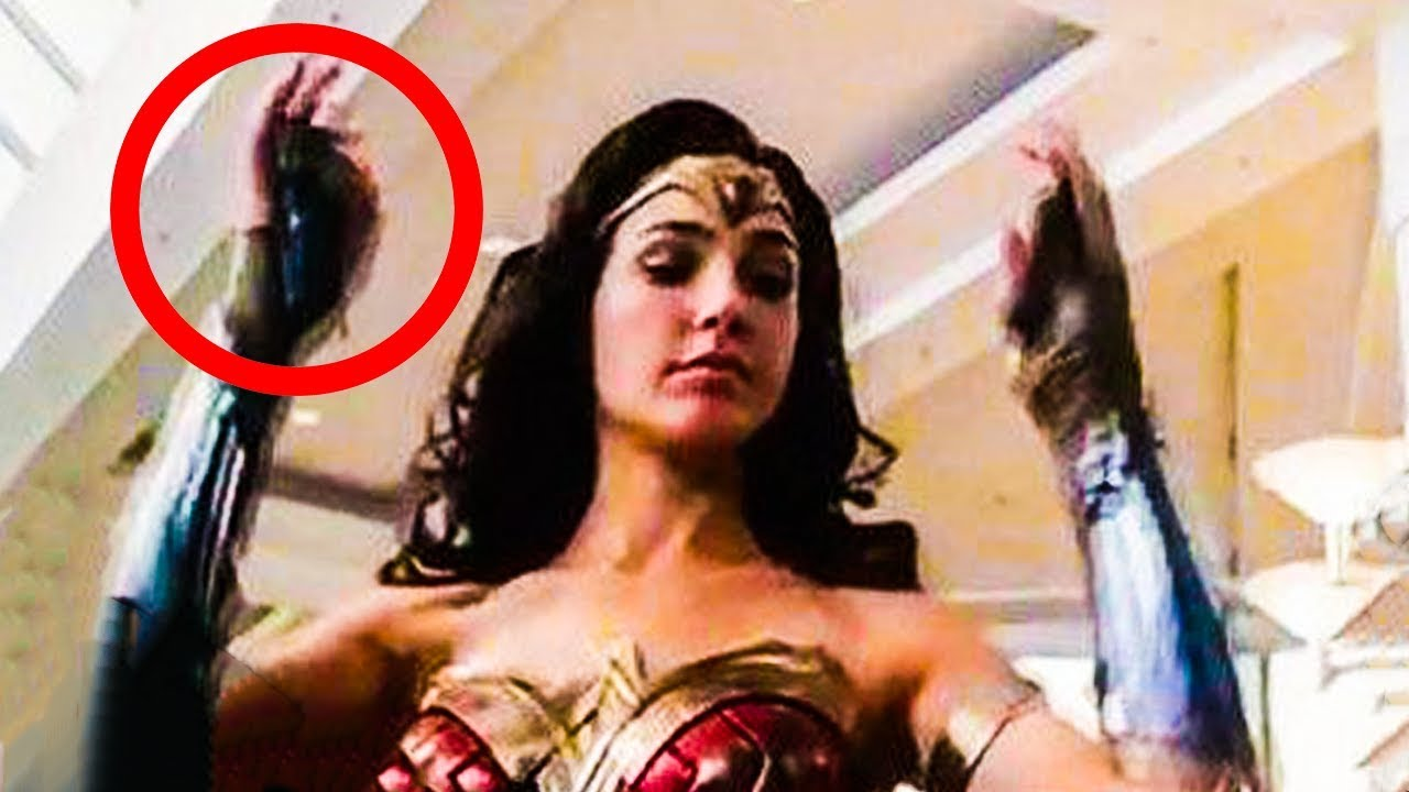 Wonder Woman 1984 Footage Shown At Comic Con Not A Sequel Youtube
