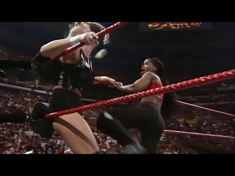 Sable vs. Jacqueline - WWE Women's Championship Match: Survivor Series 1998