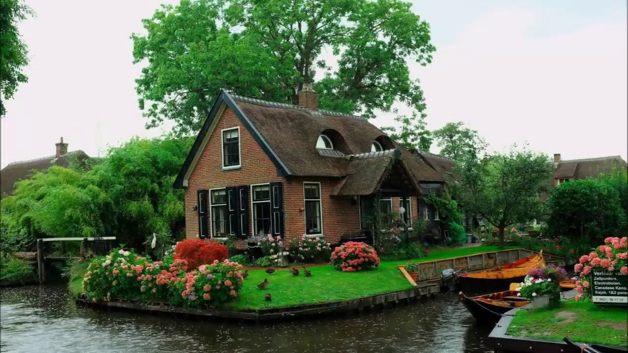 Giethoorn holland the dream village youtube for Home pictures images