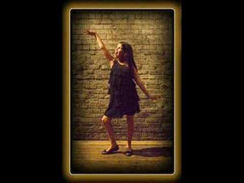 Nikki Yanofsky - Gotta Go My Own Way (French Versi
