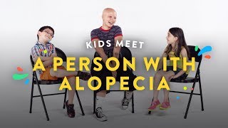 Baixar Kids Meet a Person with Alopecia | Kids Meet | HiHo Kids
