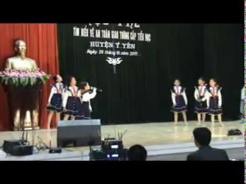 """Tiểu phẩm """"Dân ca với An toàn giao thông"""" của trường Tiểu học B Yên Đồng, Ý Yên, Nam Định"""