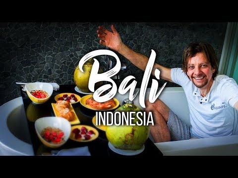 My first trip to Bali Indonesia for traditional Balinese foo
