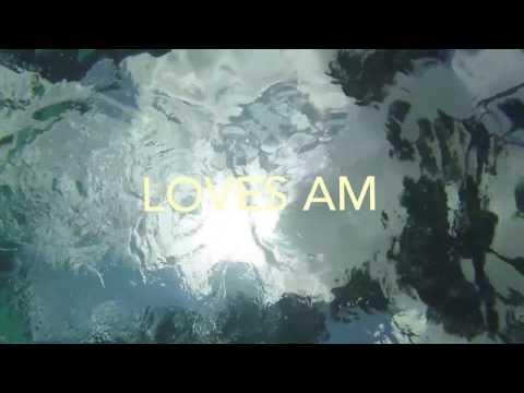 loves am underwater