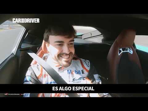 Fernando Alonso pone a prueba al Toyota GR Supra   CAR AND DRIVER
